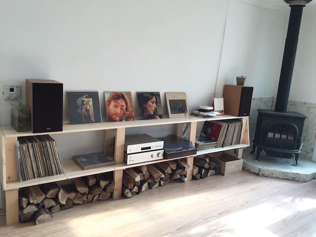 작가의 시골집, LP and BOOK, ART Stay - 평창군 - House