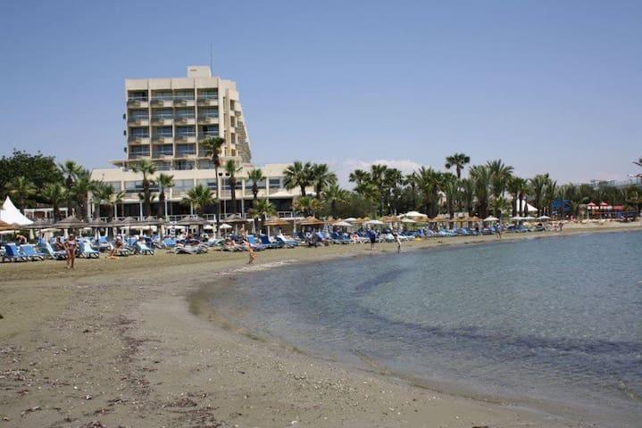 Hotel's beach open to the public