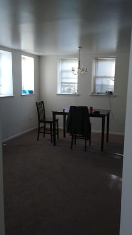 RELL'S LOUNGE - Wilmington - Apartment