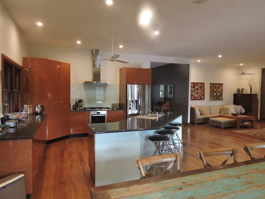 Fully equiped spacious kitchen with European appliances