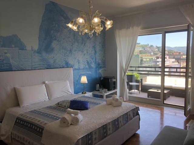 Mareluna Penthouse - Luxury Suites (1-4 People)