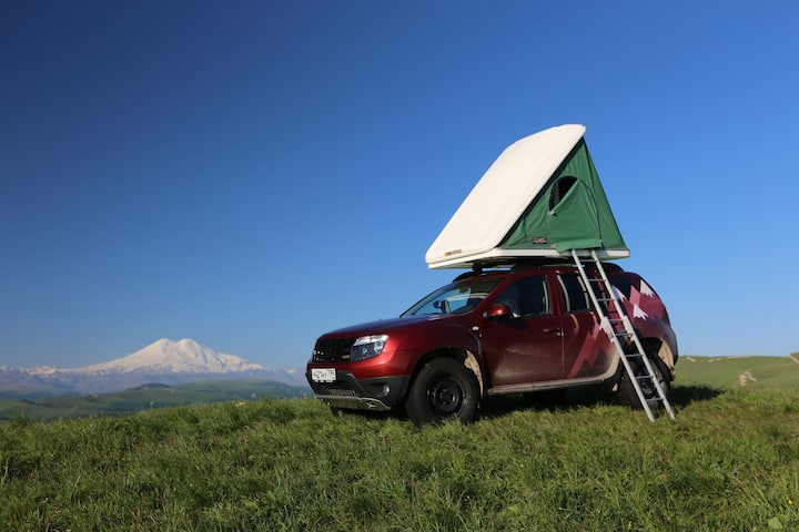 4WD  with rooftop tent at Cauсasus