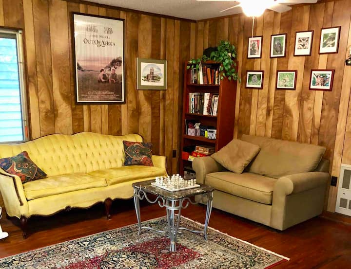 Riverfront Retreat in Central FL. 4 miles to I-75