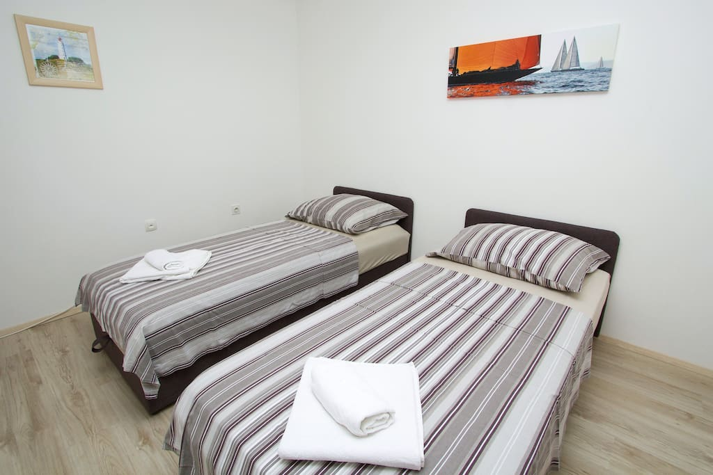 Comfortable 2 single beds when is two friend