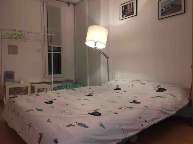 paris center apartment