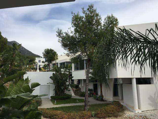 Luxury Living In Meisho Hills Modern Villa!