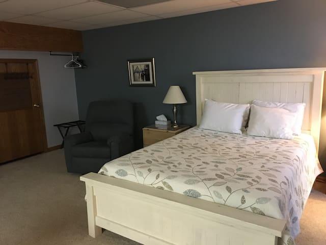 Comfy queen bed and recliner