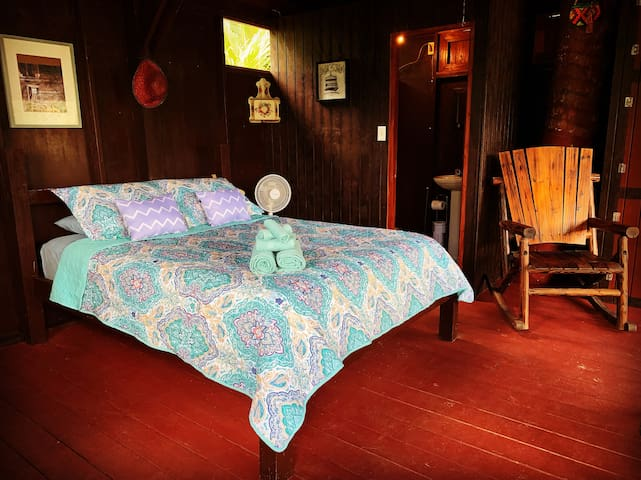 Clean linens and a comfy bed await you at Casa Carite By The Lake!