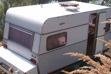 Wohnwagen am See - Beled