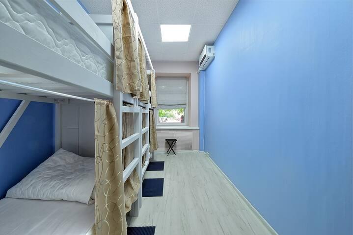 Спальное место в 4-местном общем номере