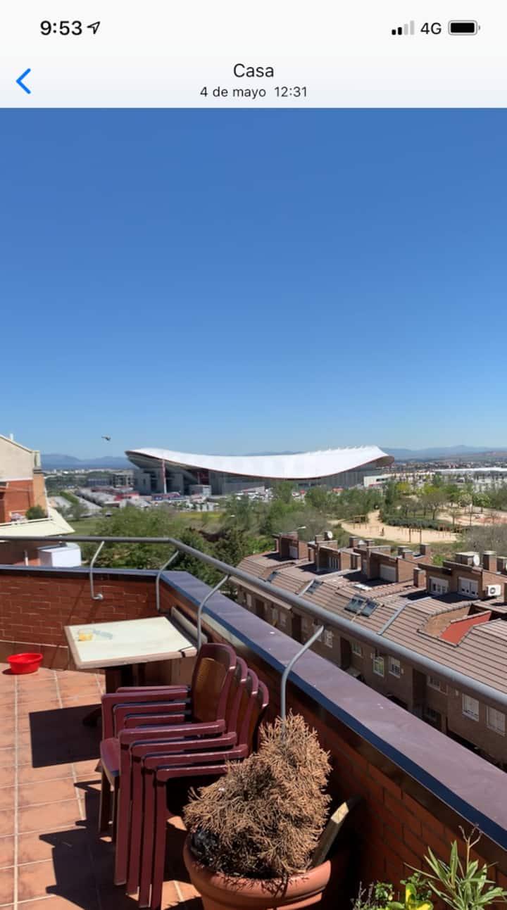 Mas cerca del Wanda Metropolitano imposible