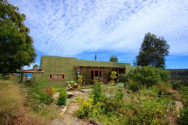 Casa con hermosa vista al mar en Tunquen V región
