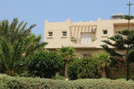 Entire (145 m2) floor in Moroccan style villa