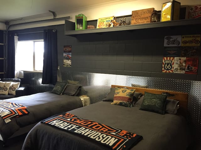 NEW!! Hog Heaven. Close to town - Taupo