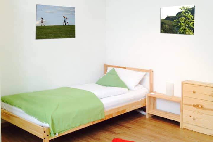Haus am Bach Vogtsburg, (Vogtsburg), Ferienwohnung B1, Terrasse, 64qm, 2 Schlafzimmer, max. 5 Personen