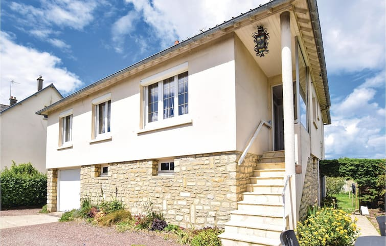 Holiday cottage with 3 bedrooms on 80m² in Grandcamp-Maisy