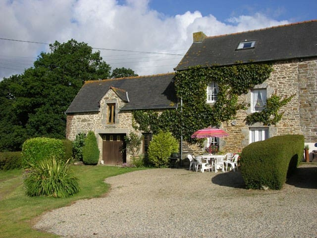 Laurel Cottage. 3 Bedrooms Sleeps 6, Rural Retreat - Plouguenast