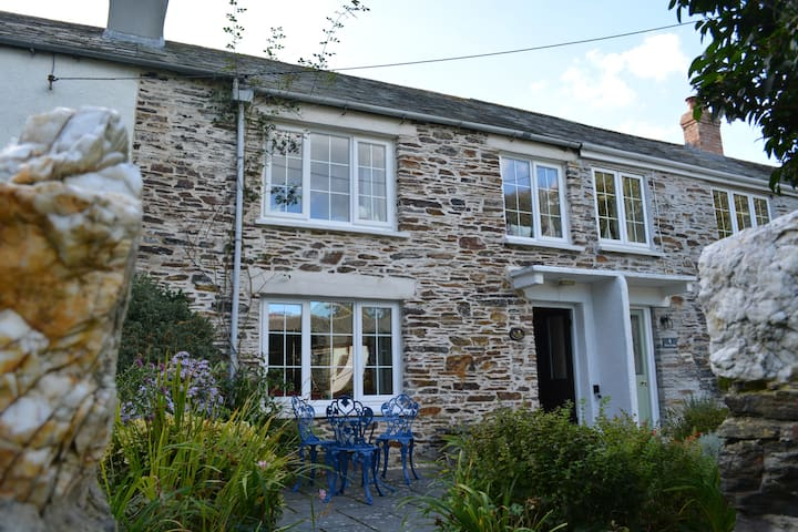 Cottage Boscastle, parking, small dog friendly - Boscastle - Casa