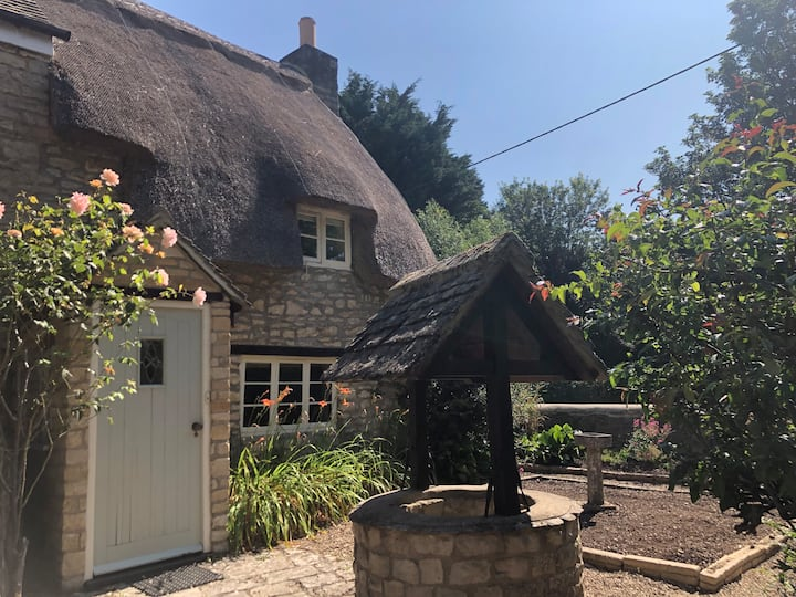 Charming thatched cottage -  near Oxford/Woodstock