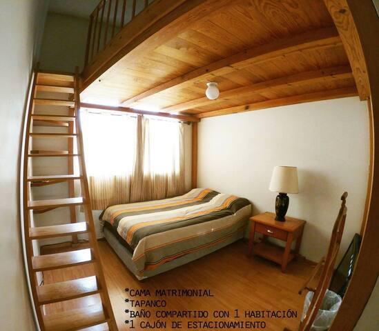 Preciosa y luminosa habitación con Tapanco