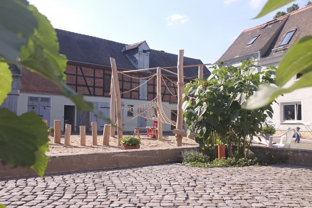 generationenhof ganz nah an leipzig g stesuiten zur miete in markranst dt sachsen deutschland. Black Bedroom Furniture Sets. Home Design Ideas