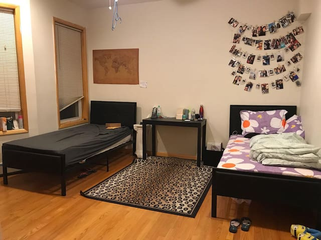 Beautiful room for a female near NYC, New Jersey.