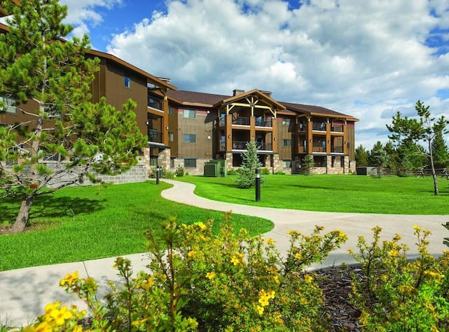 2 BD Condo in West Yellowstone--August 14-21