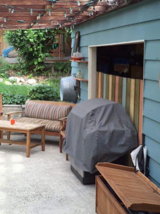 Covered Patio - w/ Barbecue