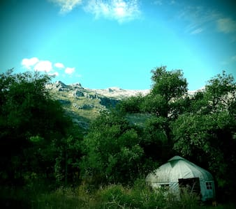 Beautiful yurt amid oak-cloaked Andaluce mountains - Gaucín - Rundzelt