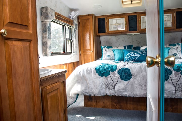 Our Cozy Camper on Acreage