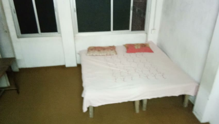 Hari home its 2 room with private bathroom 5 beds