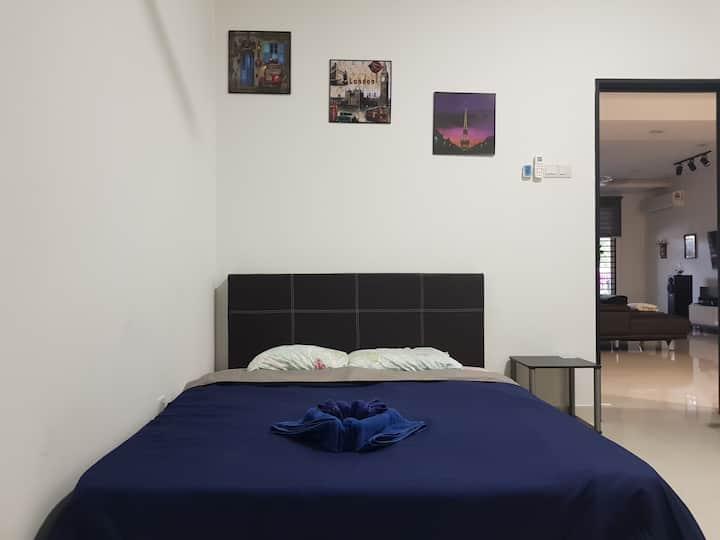 Fully Furnished Medium Room Bukit Tinggi Klang