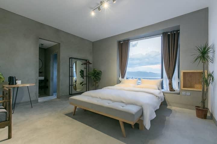 Sunrise sea view big bed room