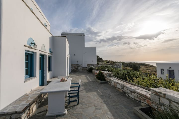 Villa Athina - Three bedroom house with sea view