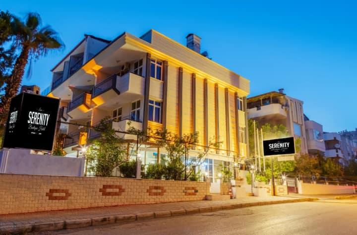 Antalya Lara'da Standart 2 Kişilik Oda