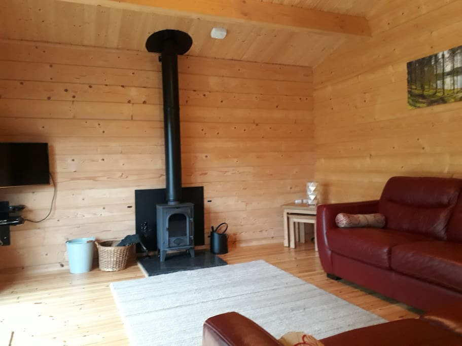 Feature log burner for those cosy nights in - logs and kindling supplied free
