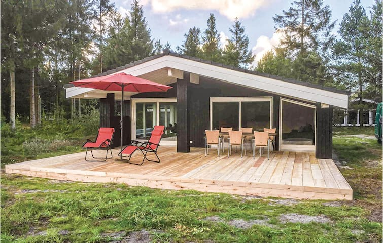 Holiday cottage with 3 bedrooms on 102m² in Nørre Nebel