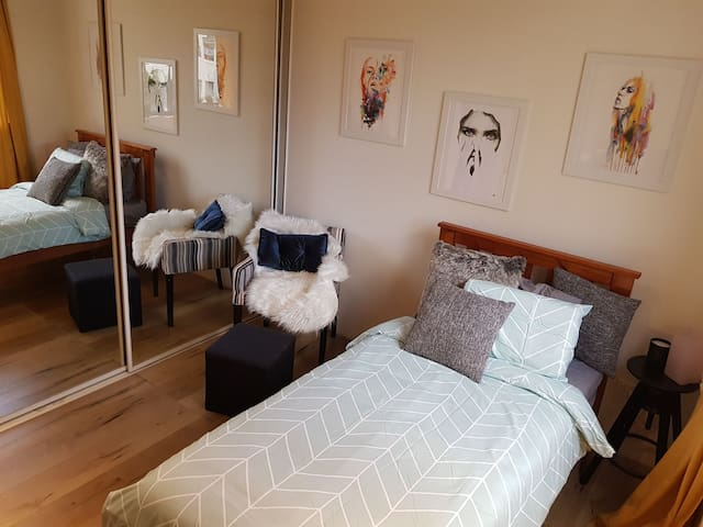 Beautiful Single Room Camperdown