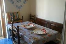 Tavolo in cucina 8 posti