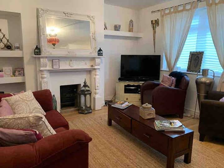 2 Bedroom house clean and welcomed fishponds