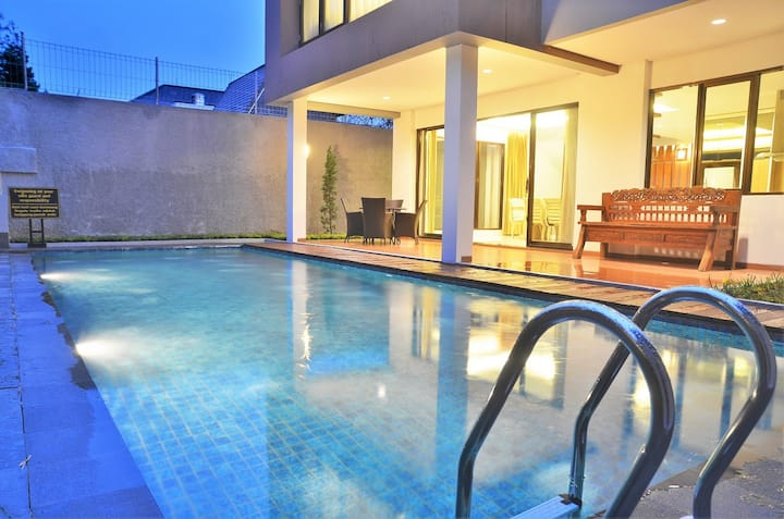Cemara Villa 3 bedroom with a private pool
