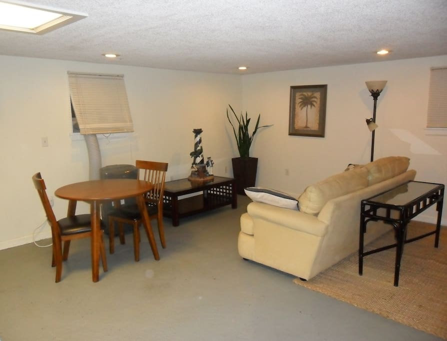 Living area - Includes Portable Floor AC