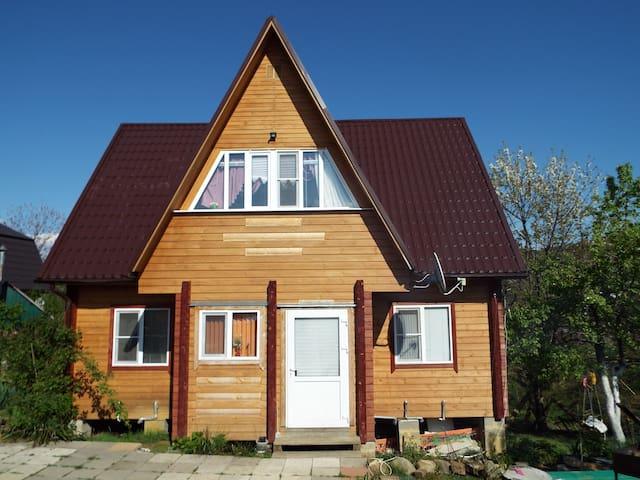 Уютный дом для отдыха семьей - Sochi - Hus