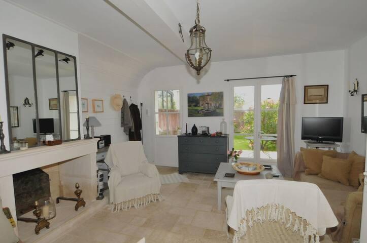 Charmante villa en plein centre village - La Couarde-sur-Mer