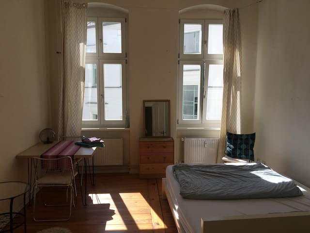 Nice private room in Prenzlauer Berg