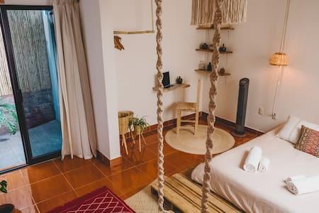 Cozy, Quiet & peaceful room #3 PRIVATE BATHROOM