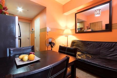1. MANILA - pldt wifi 10 mbps  unit with balcony