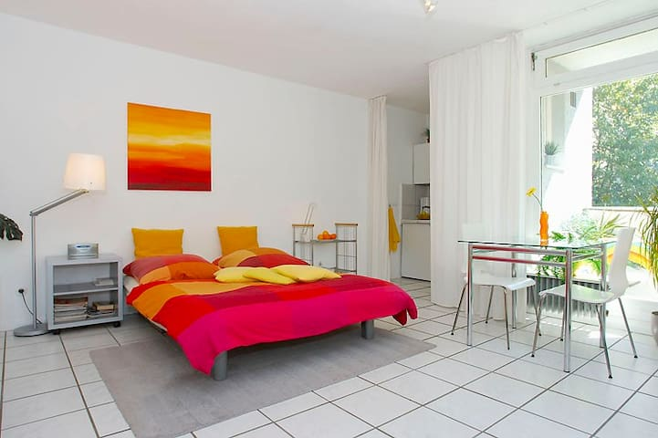 Perfect location! 1-room apt Nollendorfplatz (1)