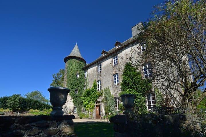 Château de Taussac - Mur-de-Barrez - Hrad