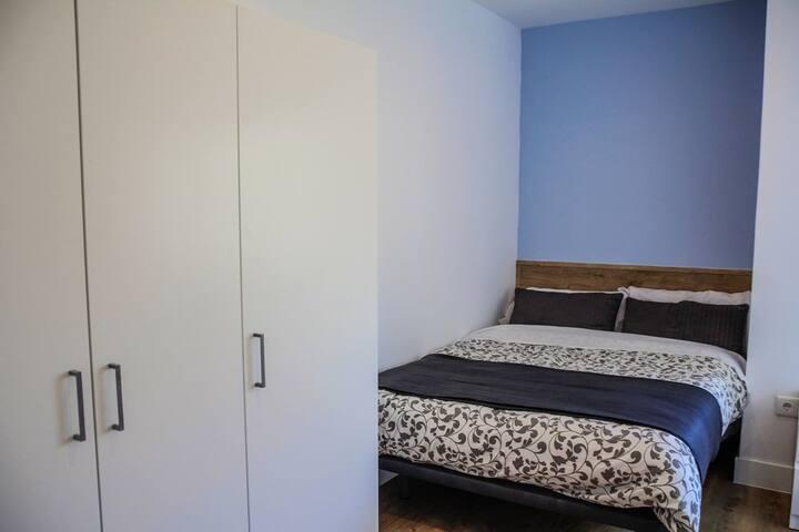 S5_6i_2 · Habitación con cama doble en Sol, hab 2